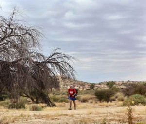 South Africa 2013. Edward running his 7th Kalahari Extreme Marathon.  Fotocredit: ©HermienWebb Photography South Africa
