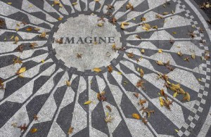 Forever connected with John Lennon © jeff gynane - Fotolia.com